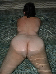 Aged Rump - Large collection of mammas asses photos!