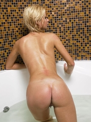 Wicked sweethearts and soaked arse housewives posing nude and showing their taut non-professional butts and pussies.