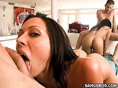 Rachel Starr & Abella Anderson shows us what big ass shaking is encompassing about.