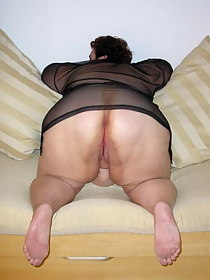 Aged rump - Huge collection of mommys butts photos!