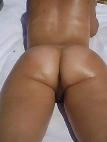 Naughty women and soaked arse housewives posing stripped and showing their tight non-professional asses and pussies.
